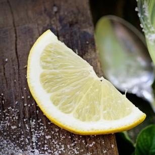 Combinația dintre o dietă care mimează postul negru și vitamina C poate fi eficientă împotriva anumitor tipuri de cancer