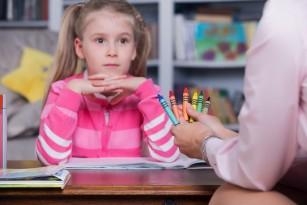 Probleme de concentrare la școlar – cum le identificăm, ce este normal și când cerem ajutorul