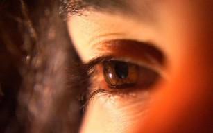 Expunerea la o lumină roşie profundă are efecte benefice împotriva declinului vederii