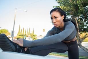 Întinderea picioarelor poate preveni bolile de inimă și diabetul zaharat