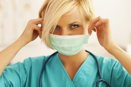 Cu ce se diferențiază gripa de COVID-19?