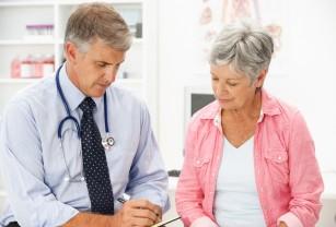 Studiu. Medicament care crește efectele vaccinurilor la persoanele în vârstă.