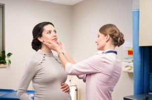 Condițiile tiroidiene benigne materne, asociate cu un risc crescut de cancer tiroidian la descendenți