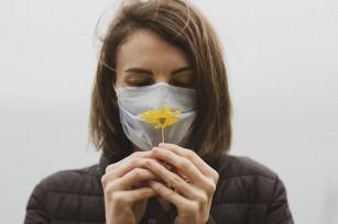 Pierderea mirosului, raportată în 86% din cazurile ușoare de COVID-19