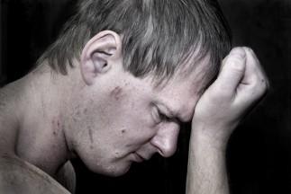 Înțelegerea fenomenului de self-harm (auto-vătămarea)