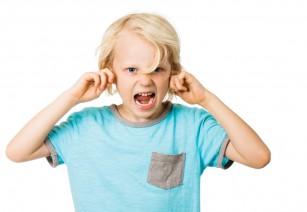 Problemele de comportament apărute la copiii care sforăie ar putea fi cauzate de modificări structurale ale creierului