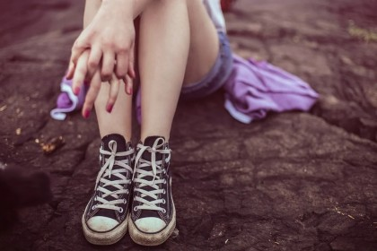 Adolescenții aflați la risc de auto-vătămare ar putea fi identificați cu 10 ani mai devreme