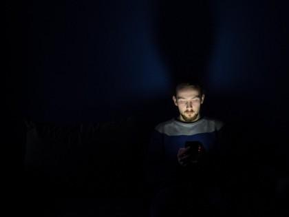Jocurile pe telefon pot fi dăunătoare pentru cei care încearcă să scape de plictiseală, spun studiile
