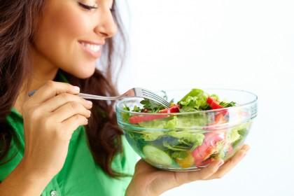 Riscul bolilor cardiovasculare poate fi redus prin consumul de alimente vegetale înainte de vârstă mijlocie
