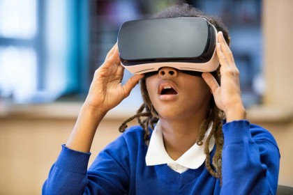 Realitate virtuală reduce durerea și anxietatea la copiii supuși unor proceduri medicale dureroase