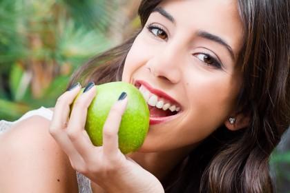 De ce și cum afectează dieta sănătatea orală?