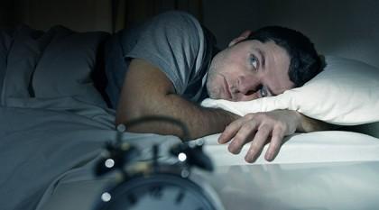 Ciclul lunar al lunii poate afecta somnul bărbaților, însă nu și pe cel al femeilor