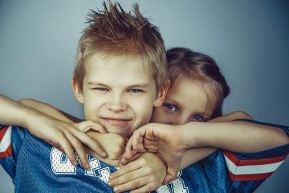 Bullying-ul între frați, asociat cu rezultate slabe de sănătate mintală mai târziu în viață