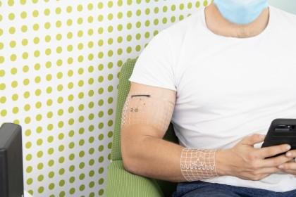 Dispozitiv purtabil personalizat, capabil să funcționeze fără oprire și să ajute la depistarea unor afecțiuni fatale, dezvoltat de cercetători