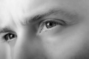 Sindromul de retractie a pleoapelor