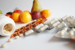 Interacţiuni între alimente şi medicamente