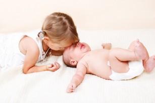 Rivalitatea dintre copilul mic si bebelus