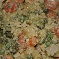 Salată de pui cu legume și maioneză