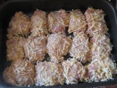 Pulpe de pui cu cașcaval și susan la cuptor