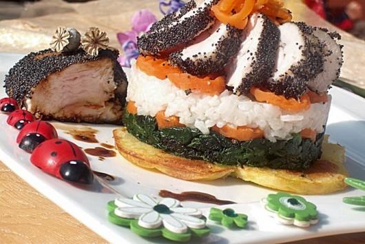 Rețetă Medalion de pui în crustă de mac pe pat de legume