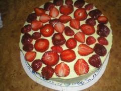 Tort de vanilie și capșune