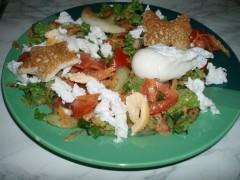 Salată cu ochiuri românești