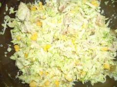Salată de pui cu varză