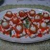 Tartine cu ouă de prepeliță și somon