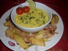 Supă de midii cu garnitură de cartofi și bacon