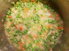 Supă cremă de mazăre, țelină și praz
