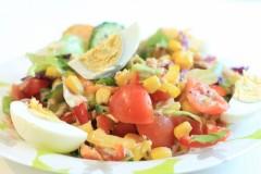 Salată cu ton și ouă fierte - pentru 6 persoane
