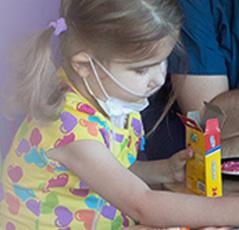Un nou studiu face legătura între simptomele gastro-intestinale și autism la copii