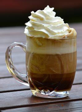 Câte calorii adaugi în cafea?