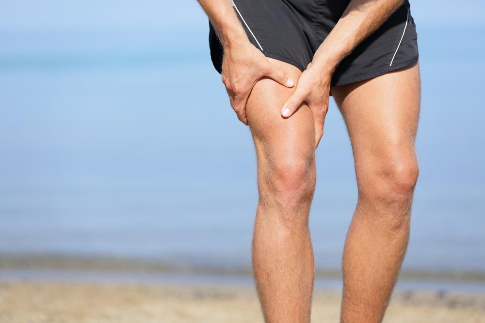 durere ascuțită în partea de sus a gambei